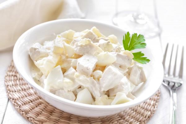 Рецепт                  Салат из курицы, ананасов и сыра