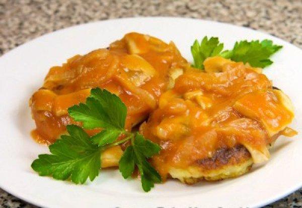 Рецепт                  Картофельные котлеты в томатно-грибном соусе