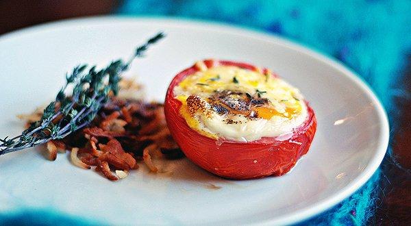 Рецепт                  Яйца, запеченные в помидорах