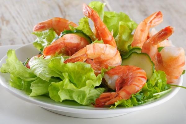 Рецепт                  Рецепты на 8 марта: Зеленый салат с креветками