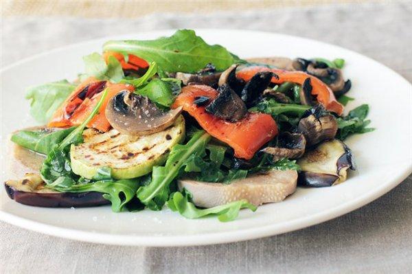 Рецепт                  Теплый салат из овощей гриль и языка