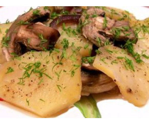 Рецепт                  Свинина запеченная в фольге с картофелем и грибами