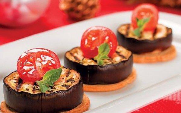 Рецепт                  Баклажаны на тостах с прованскими травами и помидорами