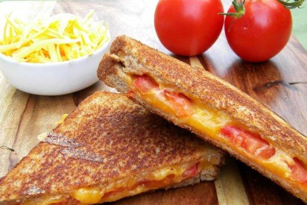 Рецепт                  Горячий бутерброд с помидорами и сыром