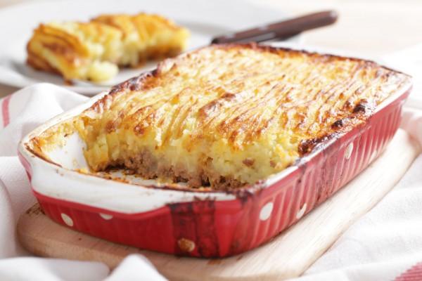 Рецепт                  Картофельная запеканка с фаршем и томатным соусом