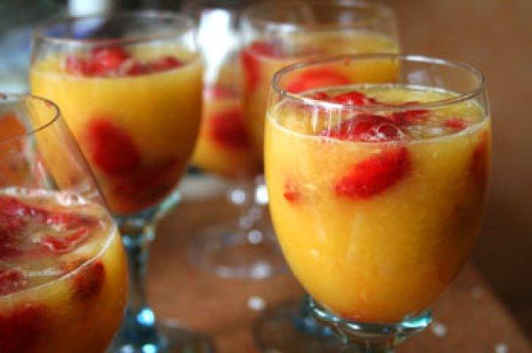 Рецепт                  Клубника в апельсиновом соке