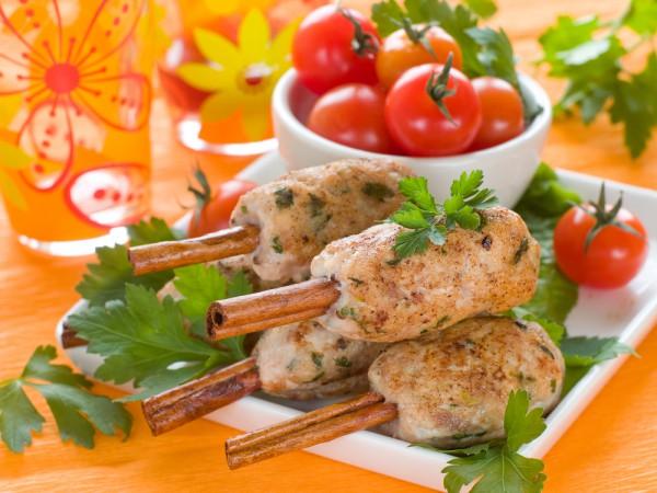 Рецепт                  Люля-кебаб на палочках корицы