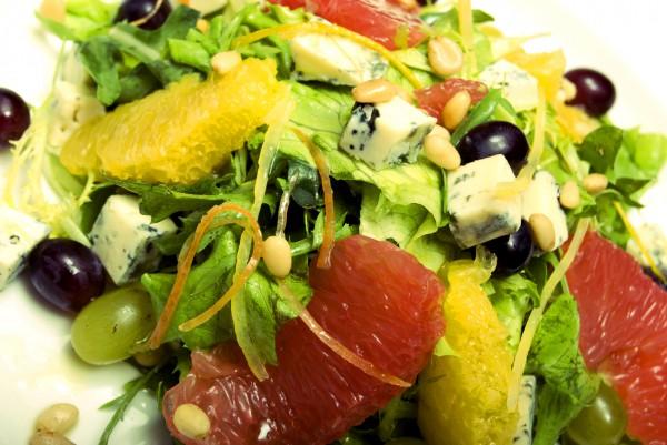 Рецепт                  Летний салат с апельсинами и виноградом