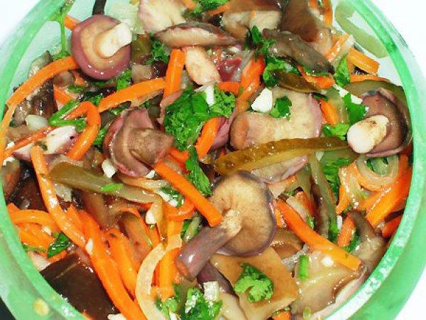 Рецепт                  Грибной салат с корейской морковью