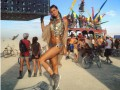 Burning Man 2016: Перри, Хилтон, Делевинь и другие посетили фестиваль