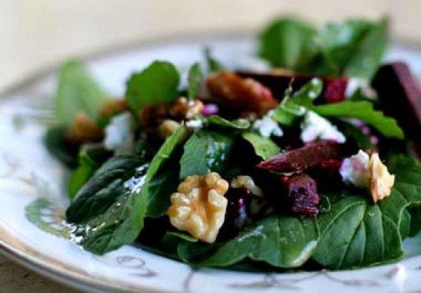 Рецепт                  Летний салат из рукколы с фетой и свеклой
