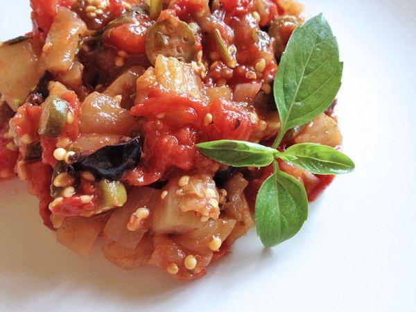 Рецепт                  Тушеные баклажаны с помидорами и чесноком