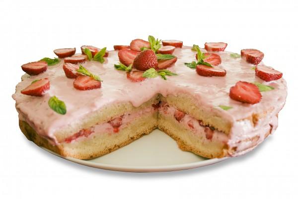 Рецепт                  Бисквитный торт с клубничным кремом