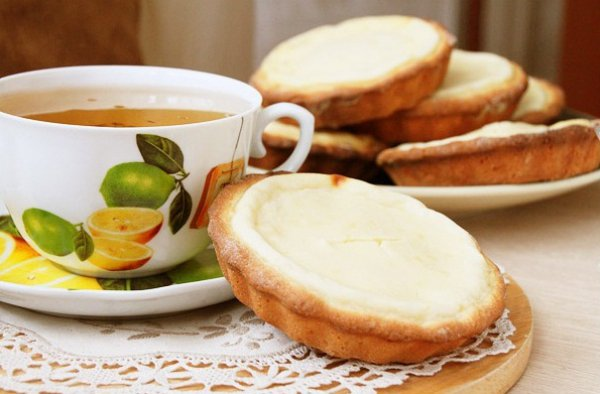 Рецепт                  Ватрушки с творогом к чаю