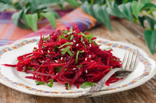 Рецепт                  Витаминный салат из свеклы
