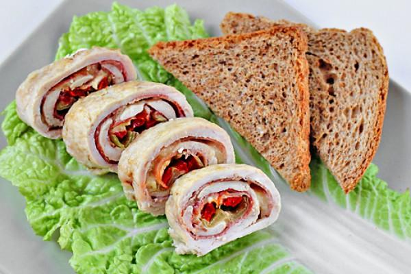 Рецепт                  Куриные рулеты с ветчиной, сыром и сладким перцем