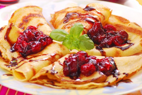 Рецепт                  Блины с творогом и вишневым соусом