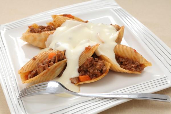 Рецепт                  Фаршированные ракушки с соусом болоньезе
