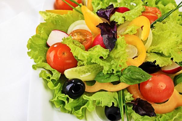 Рецепт                  Салат из сладкого перца с помидорами и маслинами