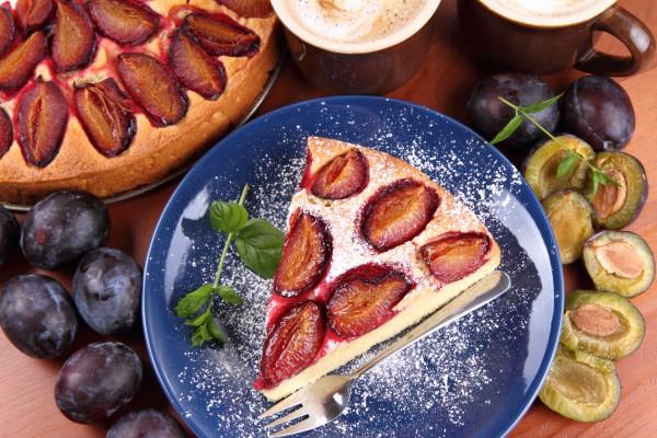 Рецепт                  Сливовый пирог с корицей