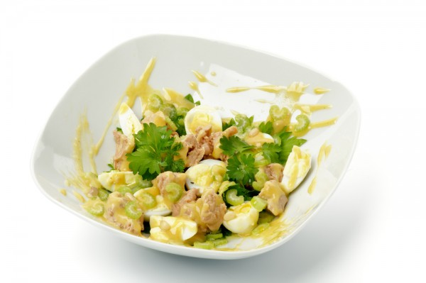 Рецепт                  Салат из печени трески и перепелиных яиц