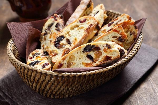 Рецепт                  Бискотти с изюмом и орехами