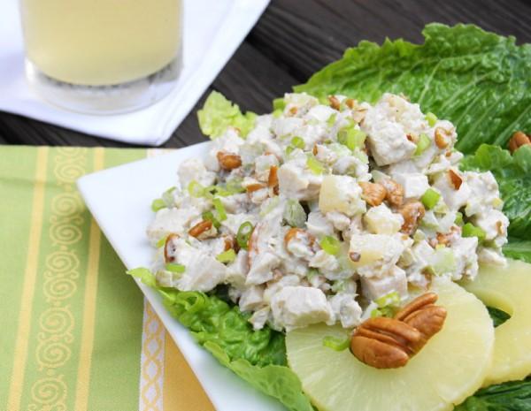 Рецепт                  Салат из запеченной курицы с ананасами