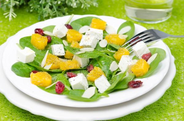 Рецепт                  Салат из шпината с апельсинами и фетой