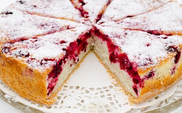 Рецепт                  Ванильный пирог с летними ягодами