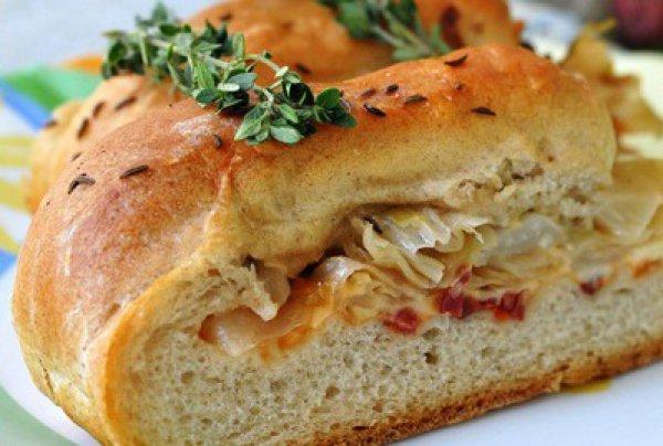 Рецепт                  Домашний хлеб с ветчиной и капустой