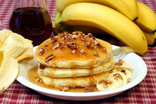 Рецепт                  Банановые оладьи с орехами